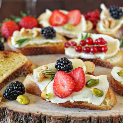 Fruit and Nut Brie Toasts